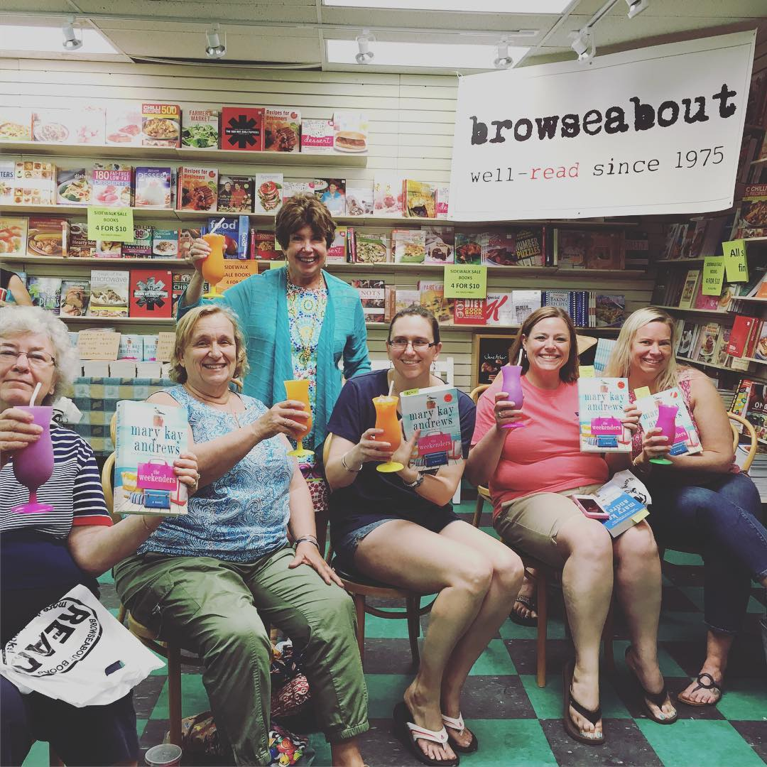 We don't always have cocktails at book signings for THE WEEKENDERS. But it's more fun when we do. Stay thirsty, my friends! And thanks, @browseaboutbooks in beautiful @rehoboth_beach