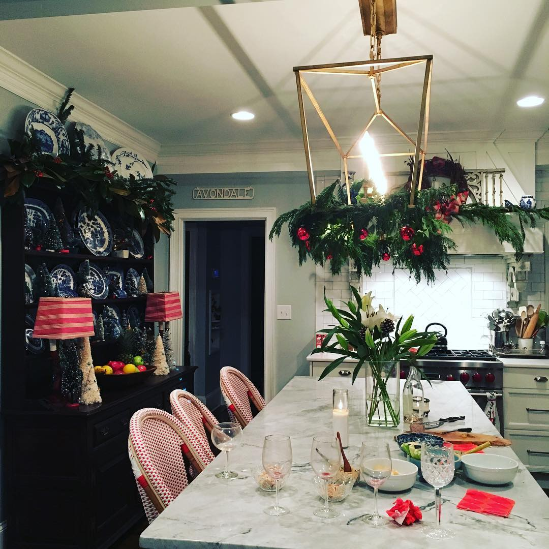 Had some neighbors drop in for drinks last night--because a clean, Christmas house is a terrible thing to waste. Kitchen bar stools are from @serenaandlily--and they are really comfy when you're polishing silver that hasn't been polished in a looong time...